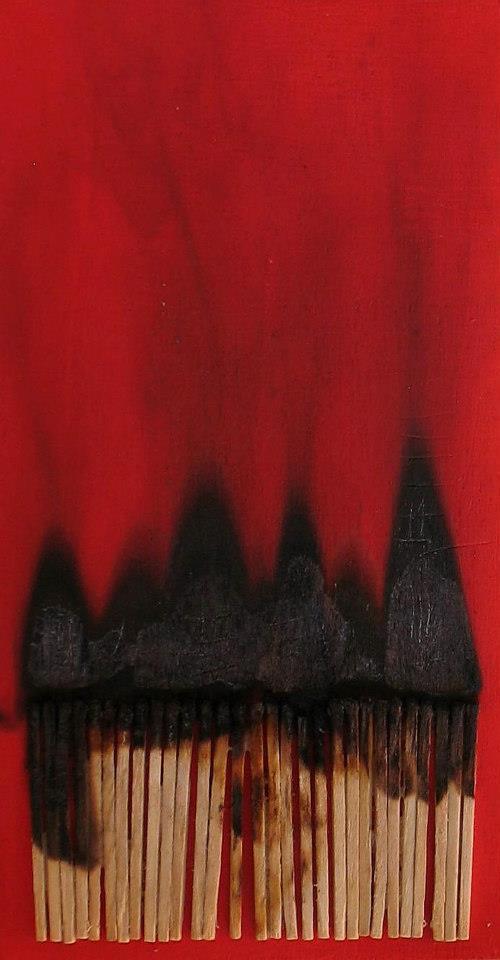 -Untitled-(10,2cmx19,5cm, acrilico, fiammiferi su legno, 2012, coll. privata)