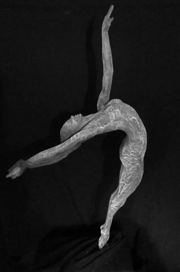 Marco Martalar- Fluttuazione- Legno di Cirmolo - Fluctuation - Pine wood.- ( H= 140 cm.)